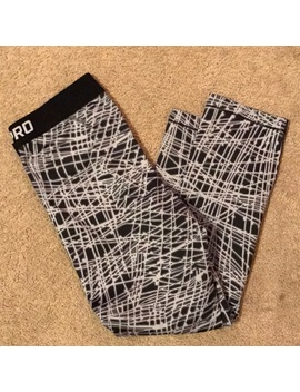 nike-pro-cropped-leggings   nwt by nike