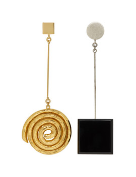 gold-&-black-le-carré-earrings by jacquemus