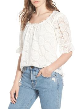 puff-sleeve-lace-top by hinge