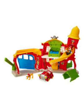 mickey-mouse-firehouse-play-set by disney