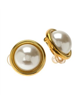 classic-pearl-earring-half-round-12mm-gold by gregory-ladner