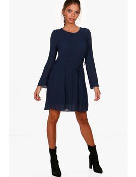 pleated-shift-dress by boohoo