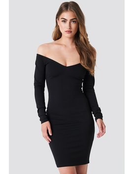 off-shoulder-bodycon-dress by na-kd-party