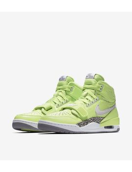 ghost-green by nike