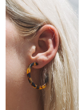 Tortoise Shell Hoops by Brandy Melville
