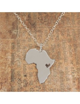 1 Pcs Outline Africa Map Necklace With Heart Country Of South African Map Necklace Silhouettes Ethiopia Ciondolo Necklaces by Sj
