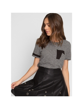 Daria Oversized Double Pocket Tee by Wet Seal