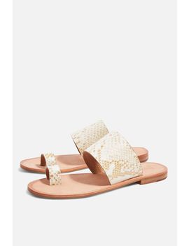 Fetch Toe Loop Sandals by Topshop