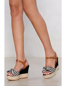 Bow Away Striped Wedge by Nasty Gal