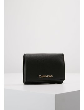 Candy Small Wallet   Portemonnee by Calvin Klein