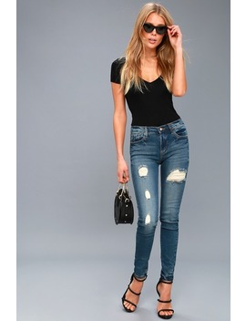 I Feel Ya Medium Wash Distressed Skinny Jeans by Lulu's