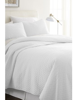Home Spun Premium Ultra Soft Herring Pattern Quilted Queen Coverlet Set   White by Ienjoy Home