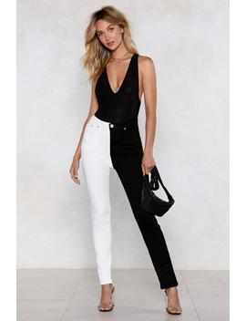 You Don't Know The Half Of It Skinny Jeans by Nasty Gal