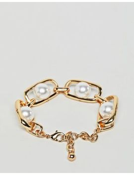 Design B London Chunky Gold Chain And Pearl Bracelet by Design B
