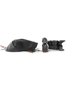Peak Design Black Shell Small Form Fitting Rain And Dust Cover by Peak Design