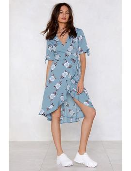 Let Your Garden Down Wrap Dress by Nasty Gal