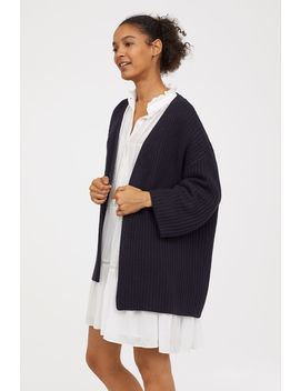 "<Font Style=""Vertical Align: Inherit;""><Font Style=""Vertical Align: Inherit;"">     Ribbed Cardigan           </Font></Font> by H&M"
