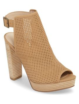Paityn Platform Sandal by Pelle Moda