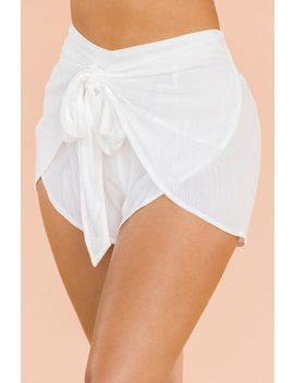 Sea La Vie Shorts   White by Lola Shoetique