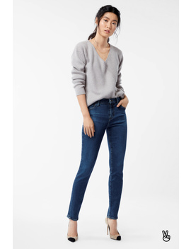 811 Mid Rise Skinny In Moral by J Brand