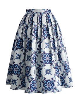 Blue Kaleidoscopic Pleated Midi Skirt by Chicwish