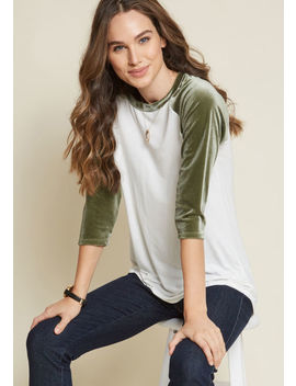 Velvet Twist Raglan Top In Olive by Modcloth