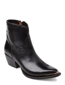 Black Shane Tip Leather Western Ankle Boots by Frye