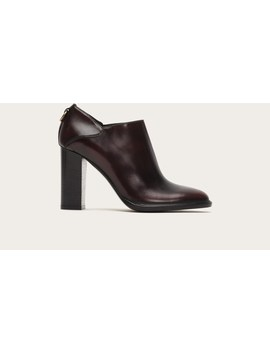 Isabella Shootie by Frye