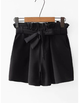 Solid Frill Trim Belted Shorts by Sheinside