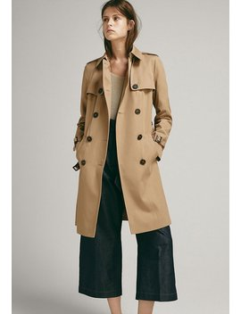 Trenchcoat by Massimo Dutti
