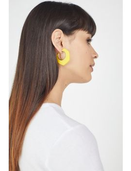 Dahlia Wood Hoop Earring by Urban Outfitters