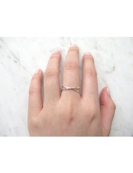 Sterling Silver X Ring//Criss Cross Ring, X Ring, Thin Silver Ring, Cross Ring, Reversible Ring, Silver X Ring, Dainty Ring, Wire Ring, Gift by The Humble Ring