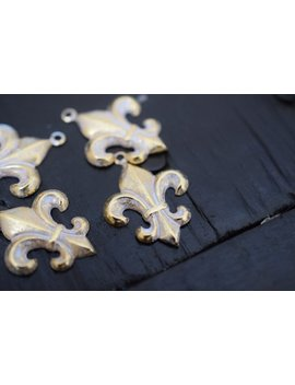 Gold Fleur De Lis Charm Pendants Stampings, 4 Pcs by Brass Charm Company