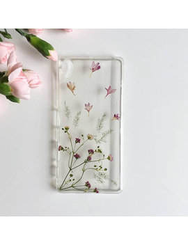 Subtle Floral Phone Case, Pressed Flower Phone Case, Boho Phone Case, Hippie Phone Case, Handmade Case, Phone Case, Custom Phone Case, Gift by Fernandfelt