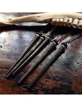 Antikes Bügeleisen Mini Sarg Nagel Halskette   Handgemachter Schmuck   Goth   Kuriosität   Witchy   Makaber   Unikat   Geschenk   Vintage   Schwarze Metall   Dunkel by Openthecellardoor