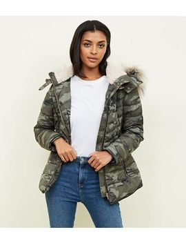 Green Camo Faux Fur Trim Puffer Jacket by New Look