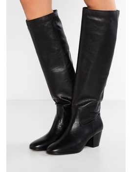 Avery Boot   Stiefel by Michael Michael Kors