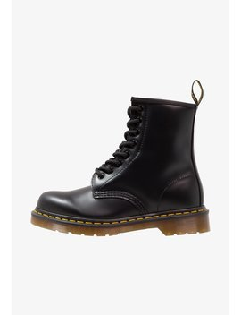 8 Eye   Veterboots by Dr. Martens