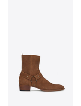 "Wyatt Harness Boot In Suede         {             ""@Context"": ""Http://Schema.Org"",             ""@Type"": ""Product"",             ""@Id"": ""Https://Www.Ysl.Com/Us/Shop Product/Men/Shoes Boots Wyatt Harness Boot In Suede Cod11379466jc.Html"",             ""Nam... by Saint Laurent"