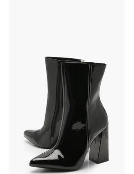 Star Back Detail Pointed Shoe Boots by Boohoo