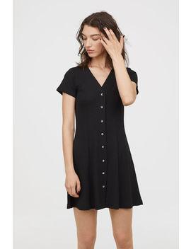 Kleid Mit Knopfleiste by H&M