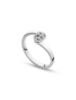 Running G Stacking Ring With Diamonds In 18 K White Gold, Size 6.25 by Gucci