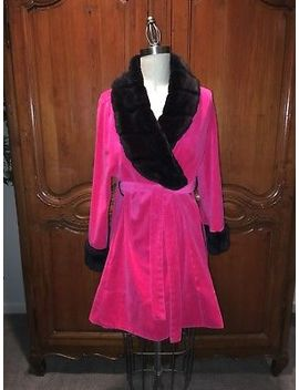 Betsey Johnson Sz S Pink Velour W/ Black Fur Trim Robe   Stunning!! by Betsey Johnson