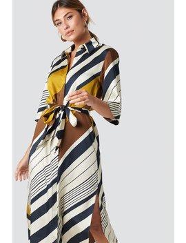 Amandi Dress by Na Kd