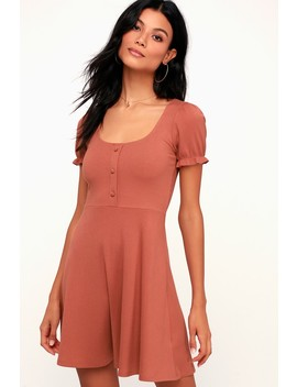 Hopscotch Rusty Rose Ribbed Short Sleeve Skater Dress by Lulu's