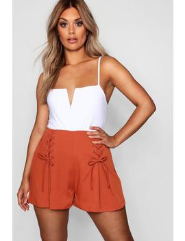 Plus Lace Up Wide Short by Boohoo