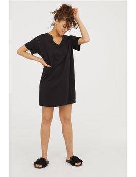 T Shirt Kleid Mit Nieten by H&M