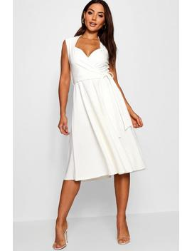 Sweetheart Plunge Tie Waist Midi Dress by Boohoo