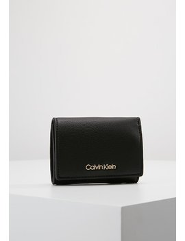 Candy Small Wallet   Geldbörse by Calvin Klein