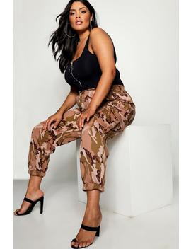 Plus Camo Jogger by Boohoo